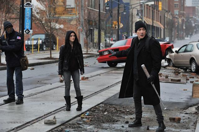 Samuel L. Jackson (left) and John Cusack (right) in <em>Cell</em> (Photo: Saban Films)