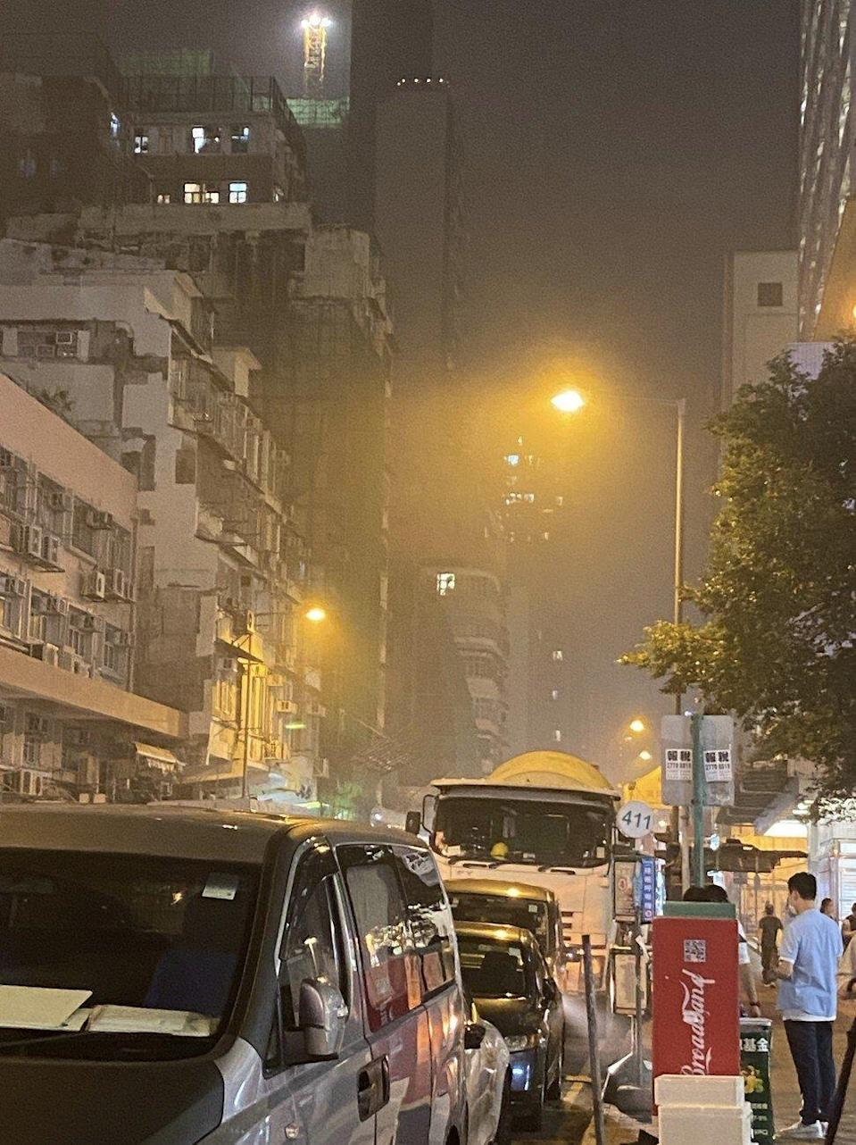 Smoke from the fire is visible in Cheung Sha Wan. Photo: Facebook.