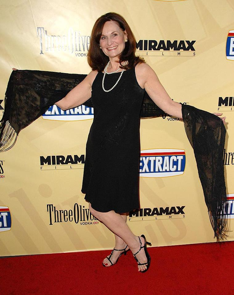 "<a href=""http://movies.yahoo.com/movie/contributor/1800183279"">Beth Grant</a> arrive at the Los Angeles premiere of <a href=""http://movies.yahoo.com/movie/1810039594/info"">Extract</a> - 08/24/2009"