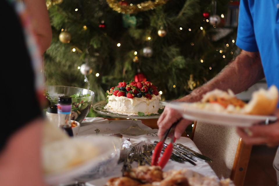 You'll want to skip the holiday buffets this year, experts warn. (Photo: Getty Images)