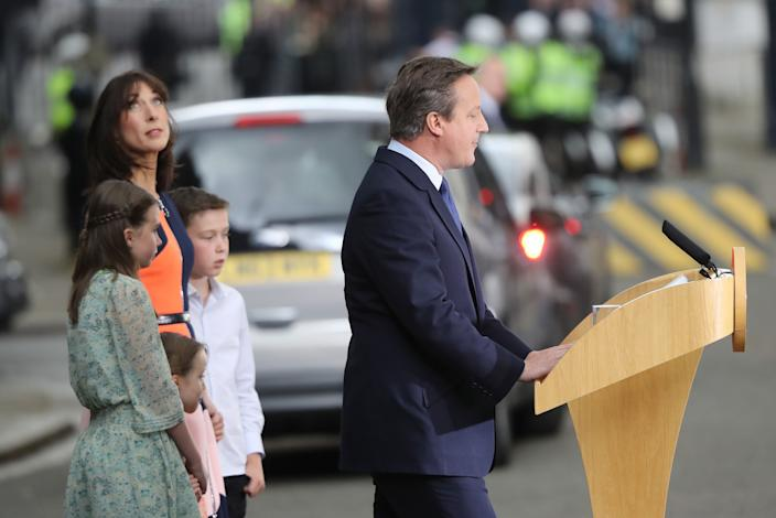 LONDON, ENGLAND - JULY 13:  Prime Minister David Cameron with his wife Samantha and children Nancy, Arthur and Florence speaks with the press before  leaving 10 Downing Street for the last time to visit Queen Elizabeth II at Buckingham Palace to formally tender his resignation on July 13, 2016 in London, England. David Cameron leaves Downing Street today having been Prime Minister of the United Kingdom since May 2010 and Leader of the Conservative Party since December 2005. He is succeeded by former Home Secretary Theresa May and will remain as Member of Parliament for Witney in Oxfordshire.  (Photo by Christopher Furlong/Getty Images)