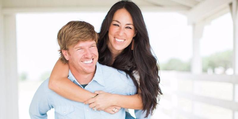 the stars of 39 fixer upper 39 realized it was time to leave the reality tv juggernaut after a. Black Bedroom Furniture Sets. Home Design Ideas