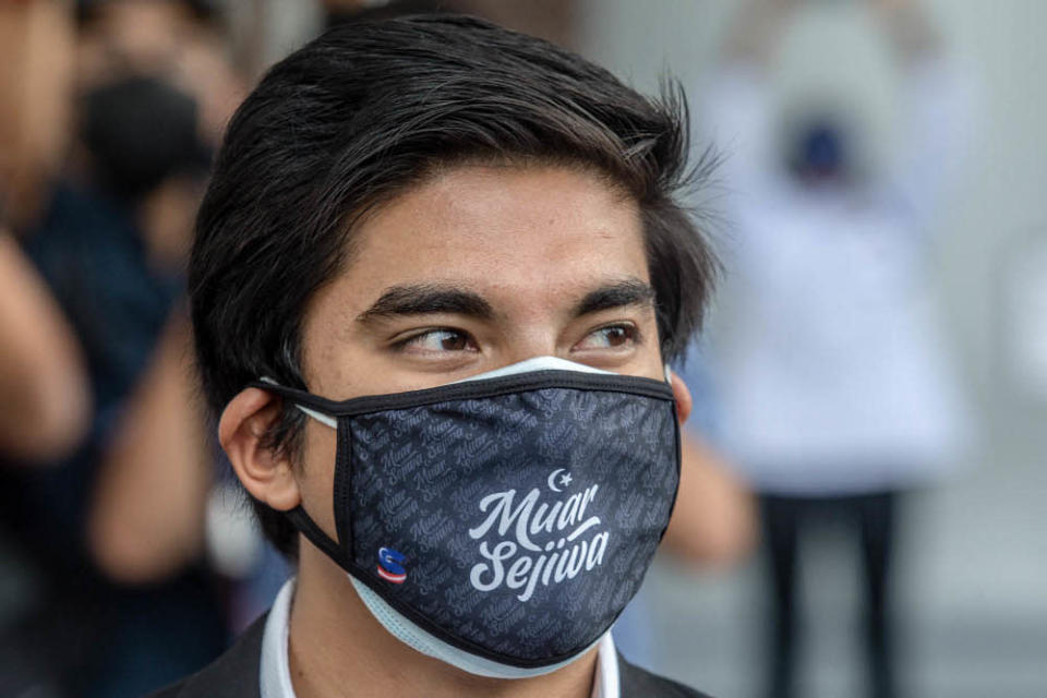 Muar MP Syed Saddiq Syed Abdul Rahman speaks during a press conference at the Kuala Lumpur Court Complex July 22, 2021. — Picture by Firdaus Latif