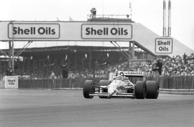 Nigel Mansell on his way to victory at the 1987 British Grand Prix