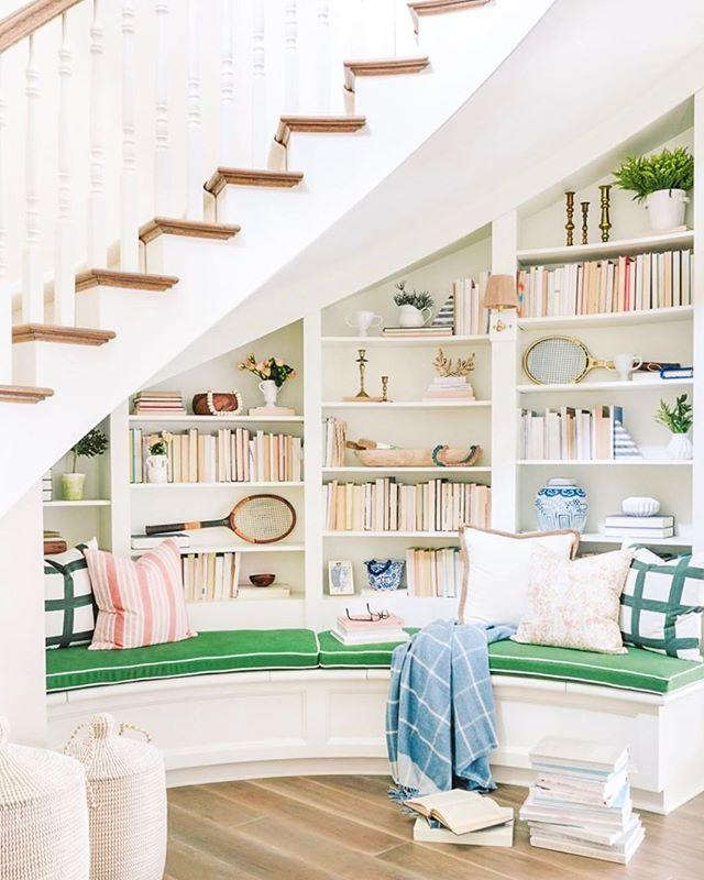 """<p><a class=""""body-btn-link"""" href=""""https://apps.apple.com/us/app/chairish-furniture-decor/id738192971"""" target=""""_blank"""">DOWNLOAD IT</a></p><p>Chairish is a vintage lover's dream, giving home decor enthusiasts a chance to easily browse through collections of classic furniture, art, and home accessories. It's the perfect app to download once you've moved into your new space since you can preview the items before purchasing them using the app's camera feature. </p><p><a href=""""https://www.instagram.com/p/Bzljk4al0EM/"""">See the original post on Instagram</a></p>"""
