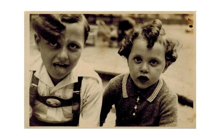 Manfred Goldberg with his younger brother Herman before the war