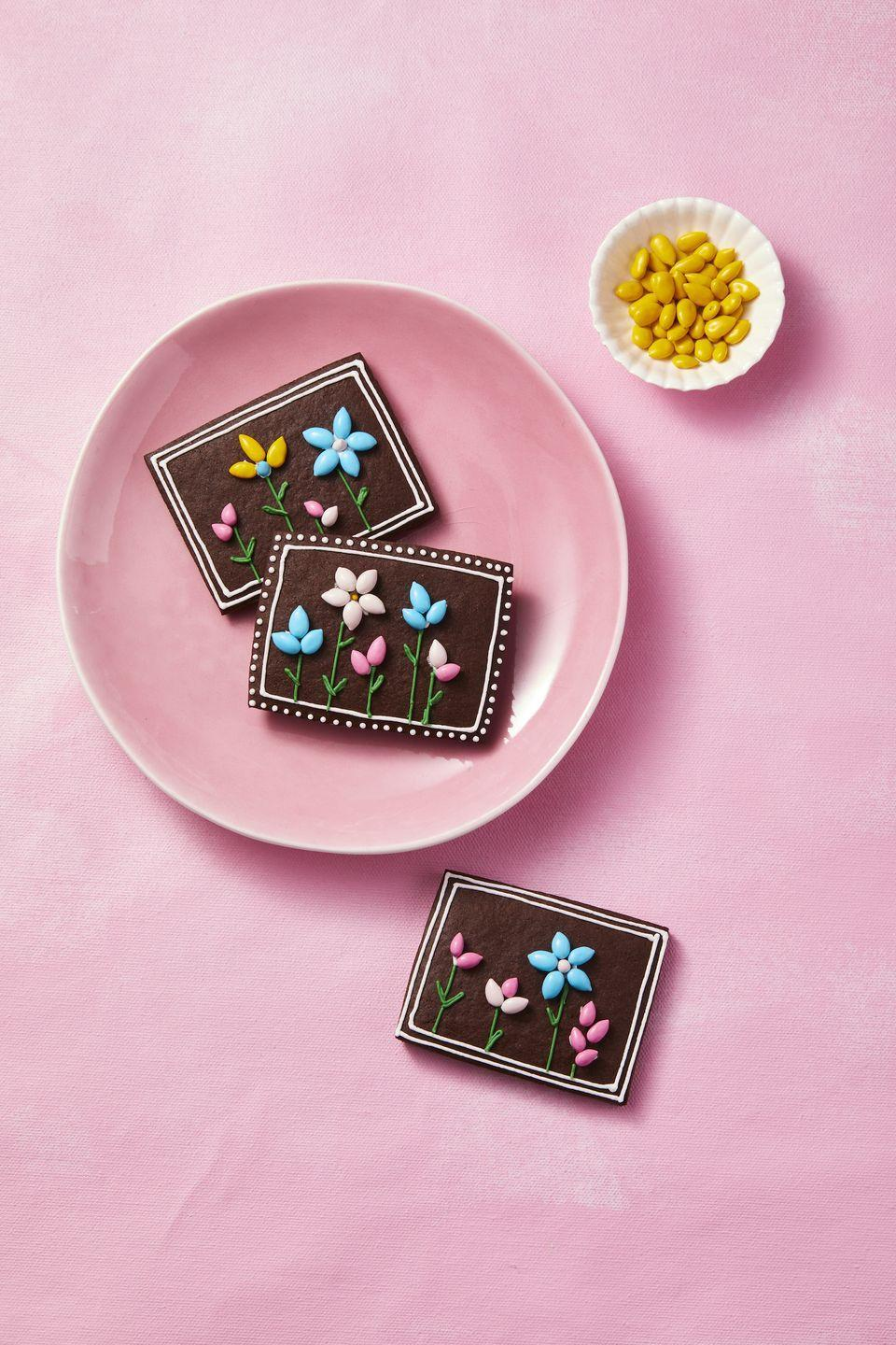 """<p>These chocolatey treats are as pretty as a picture! Oh, and you only need seven ingredients to make them.</p><p><a href=""""https://www.goodhousekeeping.com/food-recipes/a35396698/chocolate-sugar-cookies-recipe/"""" rel=""""nofollow noopener"""" target=""""_blank"""" data-ylk=""""slk:Get the recipe for Chocolate Sugar Cookies »"""" class=""""link rapid-noclick-resp""""><em>Get the recipe for Chocolate Sugar Cookies »</em></a></p>"""
