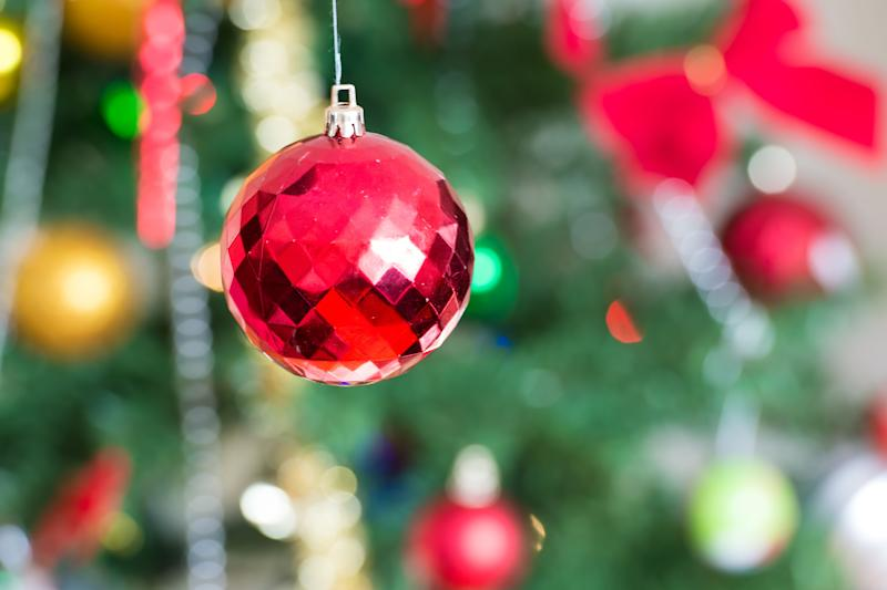 how red and green became the official colors of christmas - Why Are Christmas Colors Red And Green