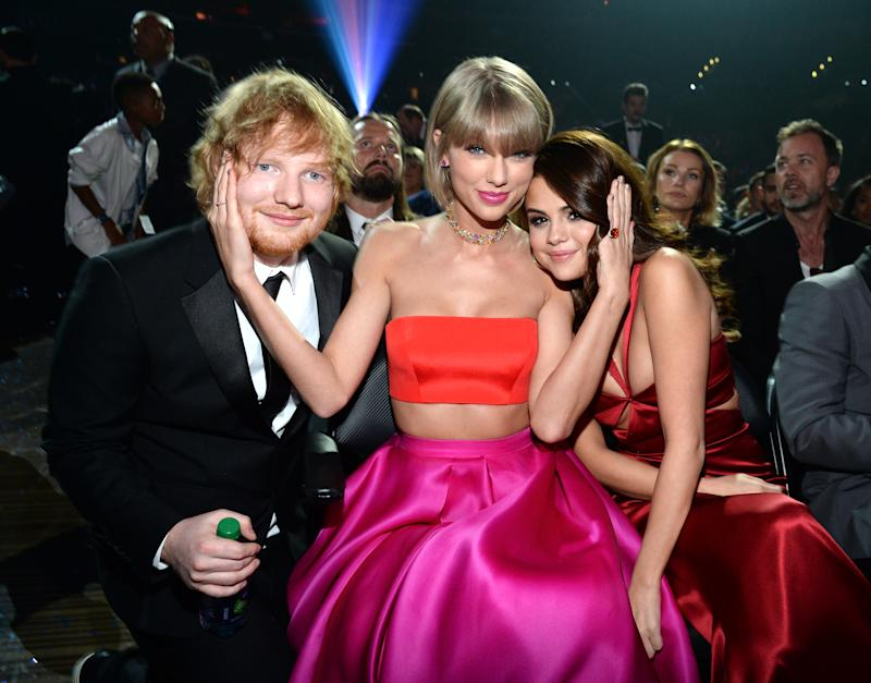 Ed Sheeran, Taylor Swift and Selena Gomez at the Grammy awards in 2016. (Getty Images)