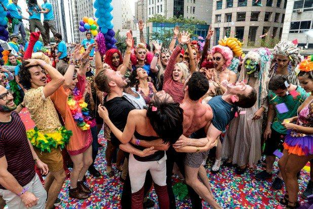 Sense8 Porn Site Says Wachowskis Team Called To Talk About Pitch For Sexier Season 3