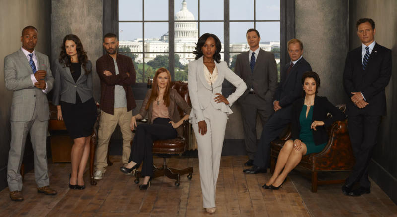 """SCANDAL - ABC's """"Scandal"""" stars Columbus Short as Harrison Wright, Katie Lowes as Quinn Perkins, Guillermo Diaz as Huck, Darby Stanchfield as Abby Whelan, Kerry Washington as Olivia Pope, Joshua Malina as David Rosen, Jeff Perry as Cyrus Beene, Bellamy Young as Mellie Grant and Tony Goldwyn as President Fitzgerald Grant. (ABC/CRAIG SJODIN)"""