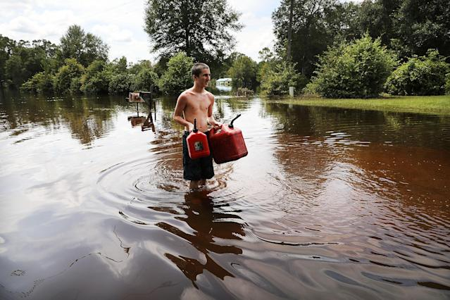 Almost a week after Hurricane Harvey ravaged parts of Texas, some neighborhoods still remained flooded and without electricity. (Spencer Platt/Getty Images)