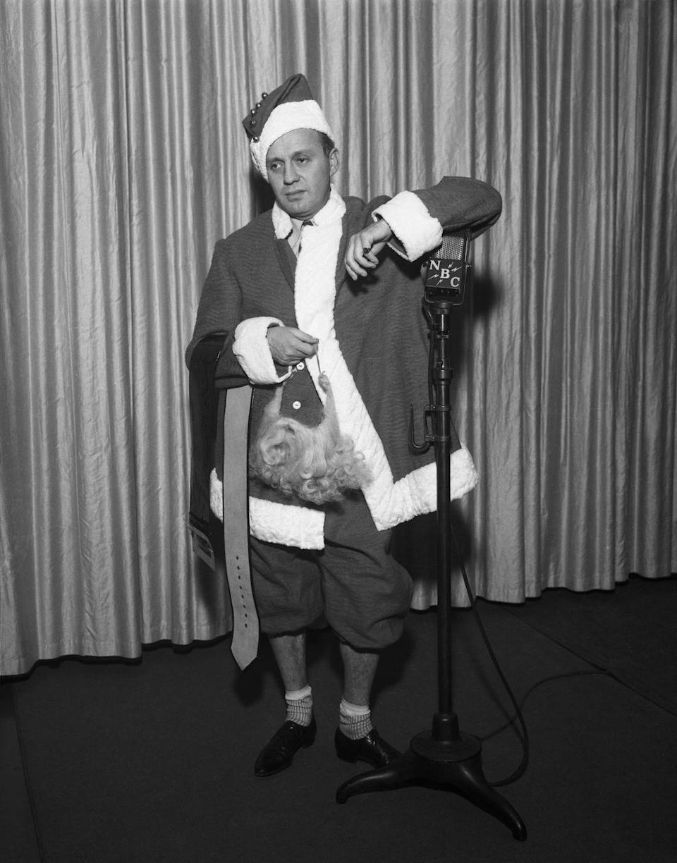 <p>Jack Benny looked like a disheveled Santa Claus when he performed for NBC radio's Christmas show in 1936. We blame it on his exposed angles and missing beard.</p>