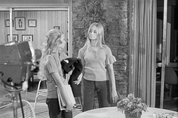 PHOTO: Eve Plumb (Jan Brady) and Maureen McCormick (Marcia Brady) rehearse on the set of 'The Brady Bunch' at Paramount Studios, July 26, 1972, in Los Angeles. (Richard Creamer/Michael Ochs Archives/Getty Images)