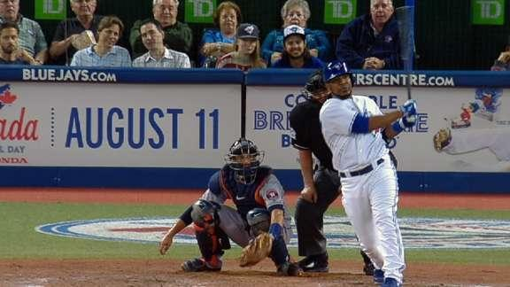 Edwin Encarnacion clubs two homers in same inning, including grand slam