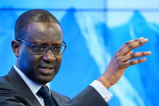 Credit Suisse execs take bonus cuts of 40% after outcry