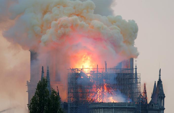 Smoke billows from†Notre†Dame†Cathedral after a fire broke out, in Paris, France April 15, 2019. (Photo: Charles Platiau/Reuters)