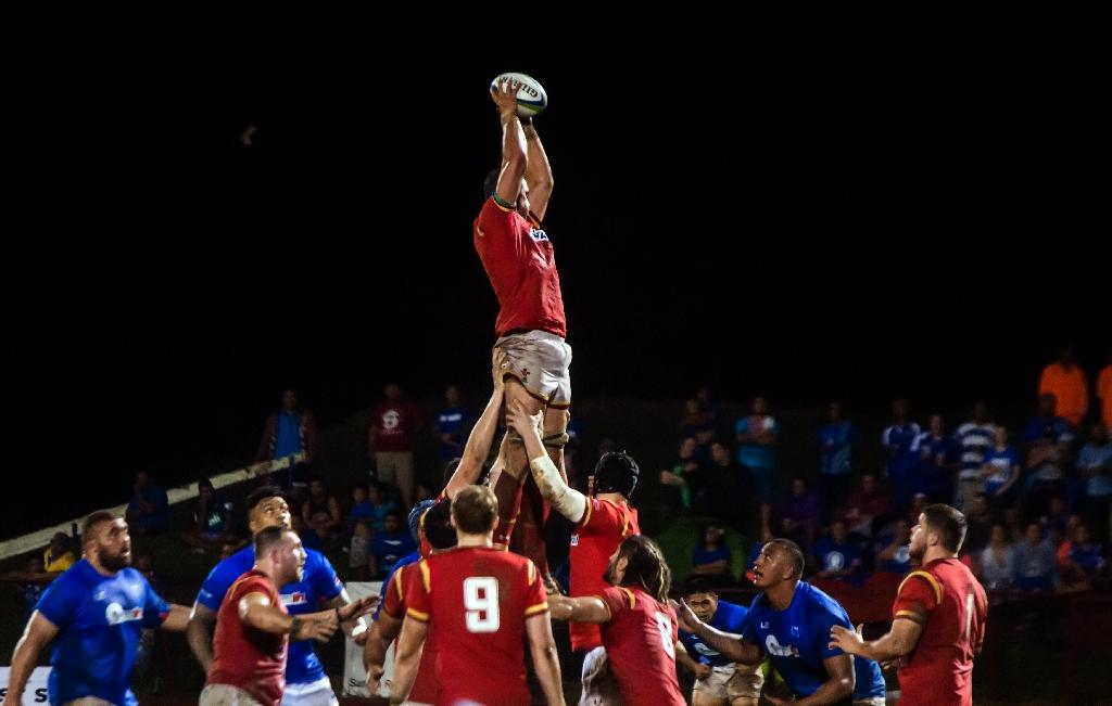 Wales' Rory Thornton grabs a line-out ball during their rugby union Test match against Samoa, in Apia, on June 23, 2017 (AFP Photo/Misiona SIMO)