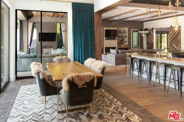Kelly Clarkson's $10 Million Los Angeles Home Is Absolutely Breathtaking