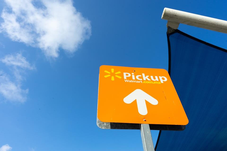 Walmart curbside pickup sign, walmart employee secrets