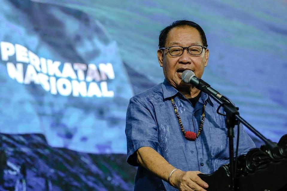 Earlier today, Datuk Jeffrey Kitingan had said he was in support of Warisan joining PN after PBS extended an invite to Warisan to work with them in the GRS and PN government. ― Picture by Firdaus Latif