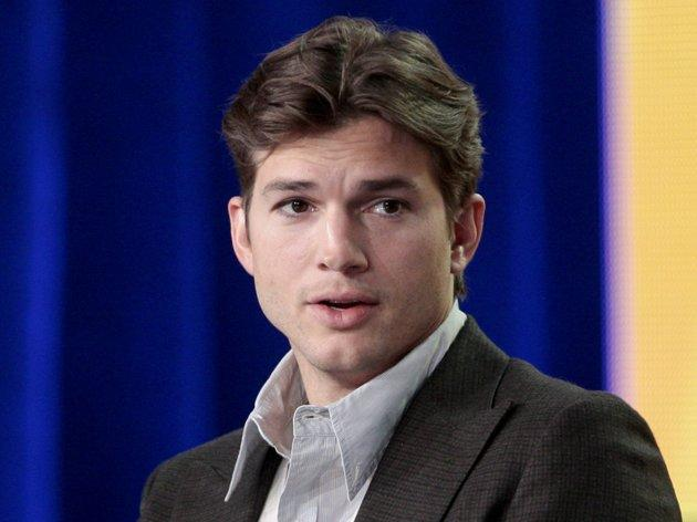 """<h2><b>Ashton Kutcher</b><br>The """"<a href=""""http://yhoo.it/zktv6P"""">Two and a Half Men</a>"""" star is getting a <a href=""""http://www.hollywoodreporter.com/news/ashton-kutcher-s-two-a-188238"""">whole lot of money</a>.  Word is the actor is paid $1 million an episode, although it's not  clear if that fee also accounts for back-end profits from re-runs. (AP  Photo/Jason Redmond, file)</h2>"""