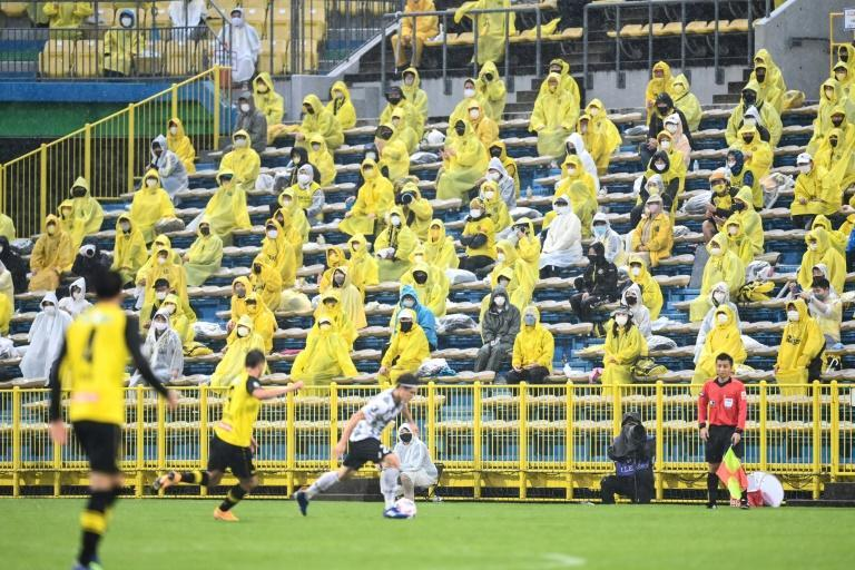 13 players and staff at Japan football team Kashiwa Reysol have tested positive for coronavirus