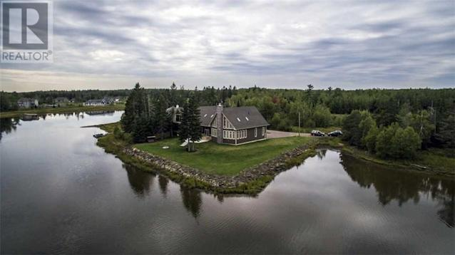 <p><span>57 Clear View Rd., Grand Barachois, N.B.</span><br> Location: Grand Barachois, New Brunswick<br> List Price: $1,000,000<br> (Photo: Zoocasa) </p>