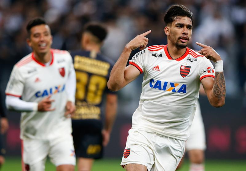 SAO PAULO, BRAZIL - OCTOBER 05: Lucas Paqueta #11 of Flamengo celebrates after scoring the first goal of his team during the match against Corinthians for the Brasileirao Series A 2018 at Arena Corinthians Stadium on October 05, 2018 in Sao Paulo, Brazil. (Photo by Alexandre Schneider/Getty Images)