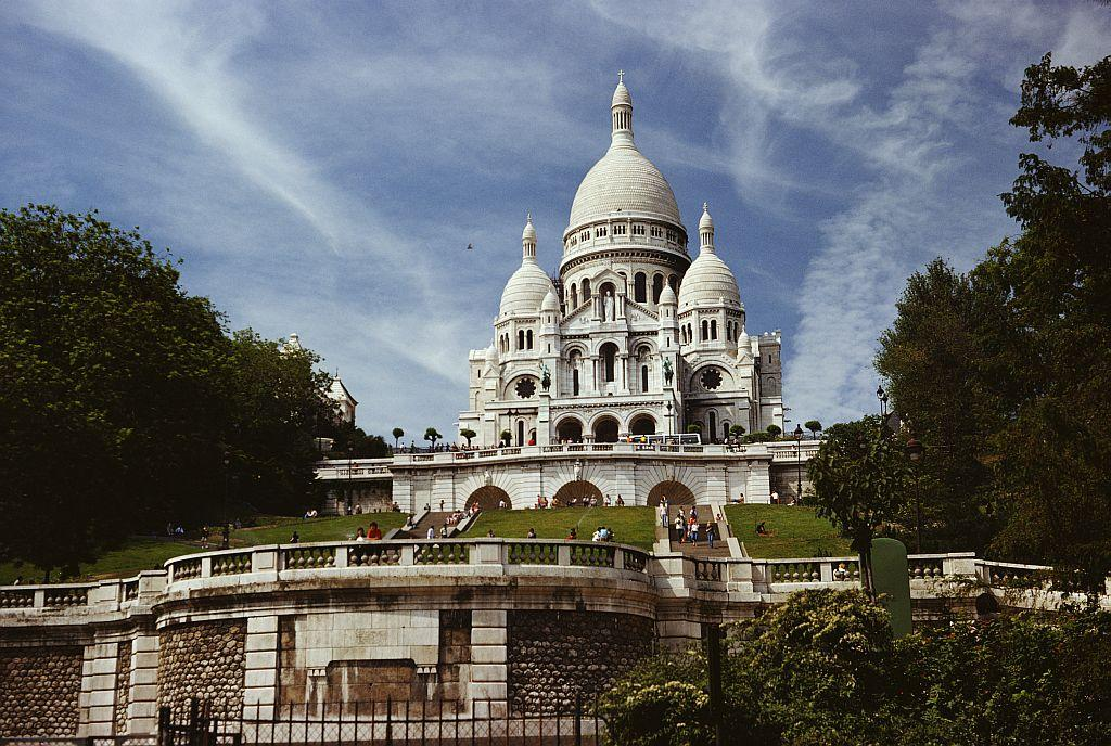 The Sacré-Coeœur Basilica in Montmartre, Paris, France, pictured in 1960.