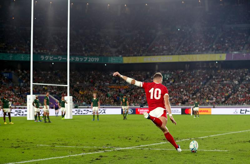 Wales' Dan Biggar scores a penalty. (Credit: Getty Images)