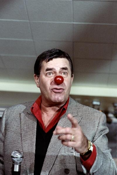 US comedian Jerry Lewis jokes during a press conference about his telethon in France in 1987