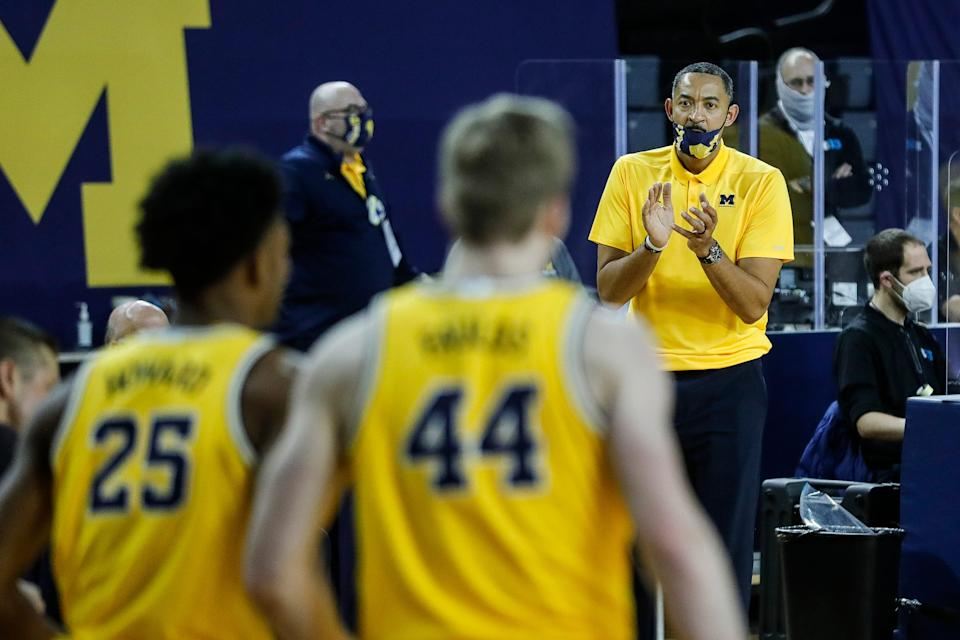 Michigan head coach Juwan Howard reacts to a play against Minnesota during the second half at Crisler Center in Ann Arbor, Wednesday, Jan. 6, 2021.