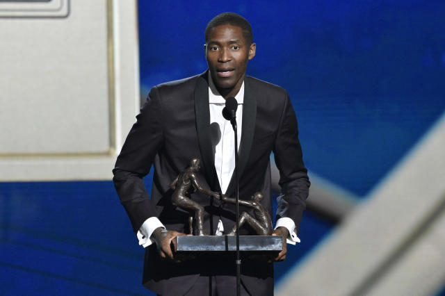 "Fresh off winning the NBA's Teammate of the Year award, could <a class=""link rapid-noclick-resp"" href=""/nba/players/3407/"" data-ylk=""slk:Jamal Crawford"">Jamal Crawford</a> find himself with a new set of co-workers in Golden State? (AP)"