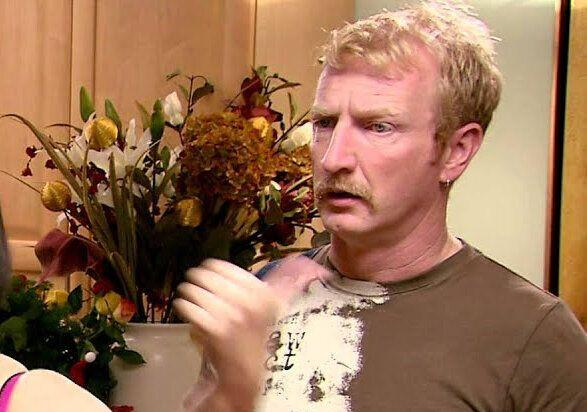 Steffan Rhodri as Dave Coach in 'Gavin & Stacey'. (Credit: BBC)