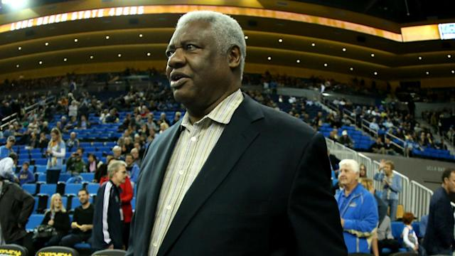 NBA legend Oscar Robertson will receive the Lifetime Achievement Award during the 2018 NBA Awards show on June 25.