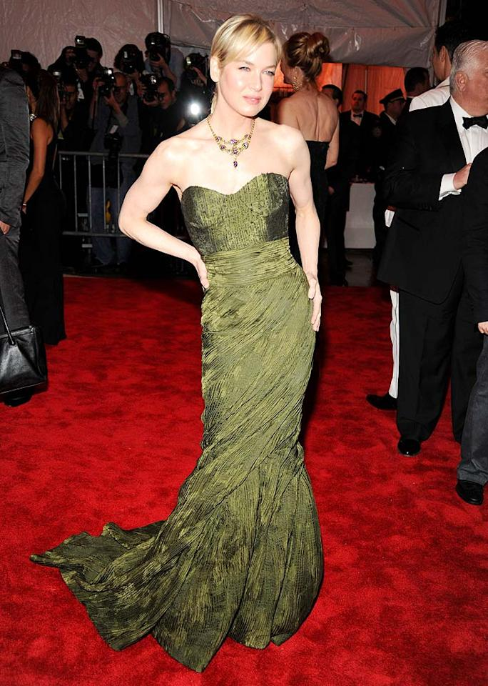 "Carolina Herrera's muse Renee Zellweger looked positively radiant in a one of the designer's strapless green gowns. Kevin Mazur/<a href=""http://www.wireimage.com"" target=""new"">WireImage.com</a> - May 4, 2009"