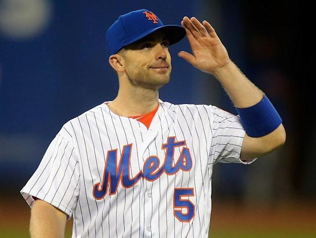 """<a class=""""link rapid-noclick-resp"""" href=""""/mlb/players/7382/"""" data-ylk=""""slk:David Wright"""">David Wright</a> acknowledges the fans at Citi Field before his final game with the <a class=""""link rapid-noclick-resp"""" href=""""/mlb/teams/nym"""" data-ylk=""""slk:New York Mets"""">New York Mets</a>. (Getty Image)"""