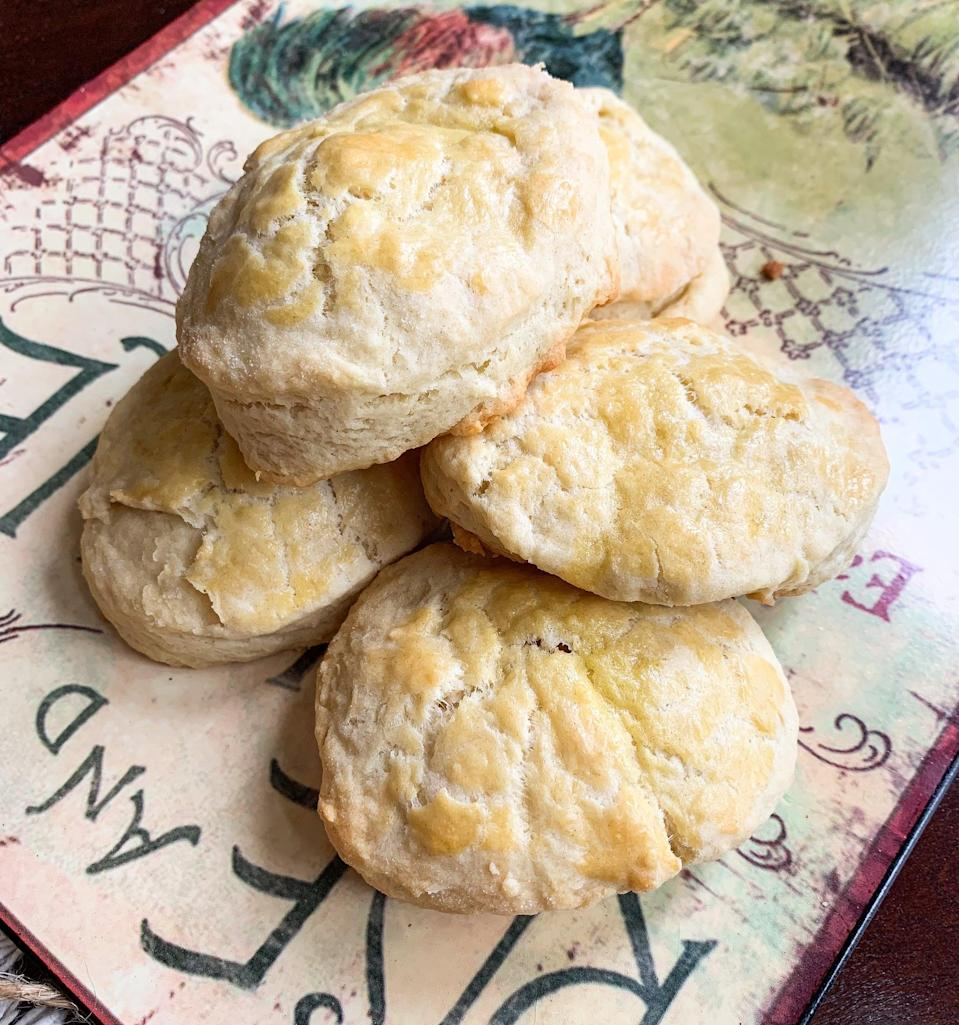 """<p>Watch out, Oregon, this recipe is <em>good</em>. Copy the <strong>Fixer Upper</strong> star's iconic recipe this holiday when you whip us these flaky biscuits. Add honey and butter to make them a grand slam.</p> <p><strong>Get the recipe</strong>: <a href=""""https://www.popsugar.com/food/joanna-gaines-biscuit-recipe-47384252"""" class=""""link rapid-noclick-resp"""" rel=""""nofollow noopener"""" target=""""_blank"""" data-ylk=""""slk:Joanna Gaines's biscuits"""">Joanna Gaines's biscuits</a></p>"""