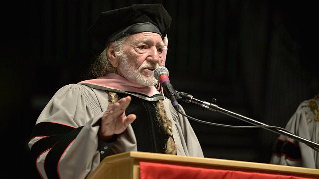 Willie Nelson Becomes Honorary Doctor