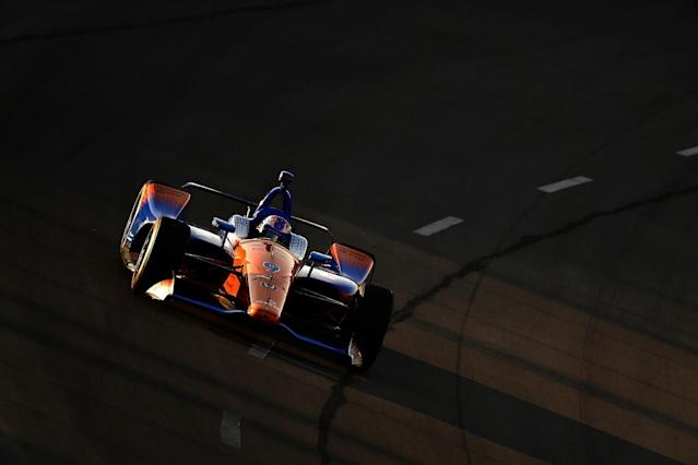 Dixon takes points lead with Texas win