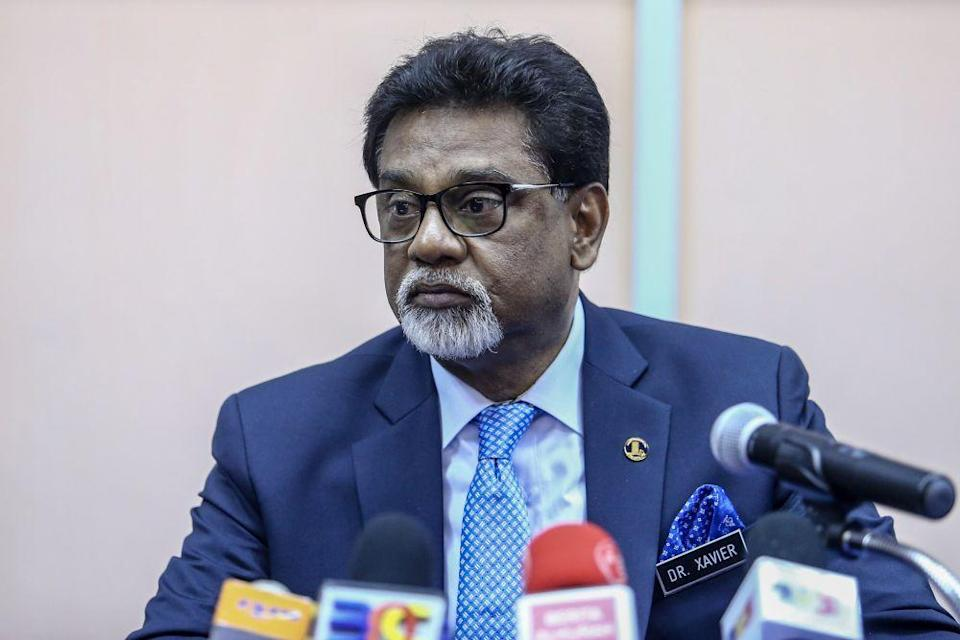 Water, Land and Natural Resources Minister Dr Xavier Jayakumar speaks to reporters during a press conference at FRIM in Kepong Janaury 16, 2019. ― Picture by Hari Anggara