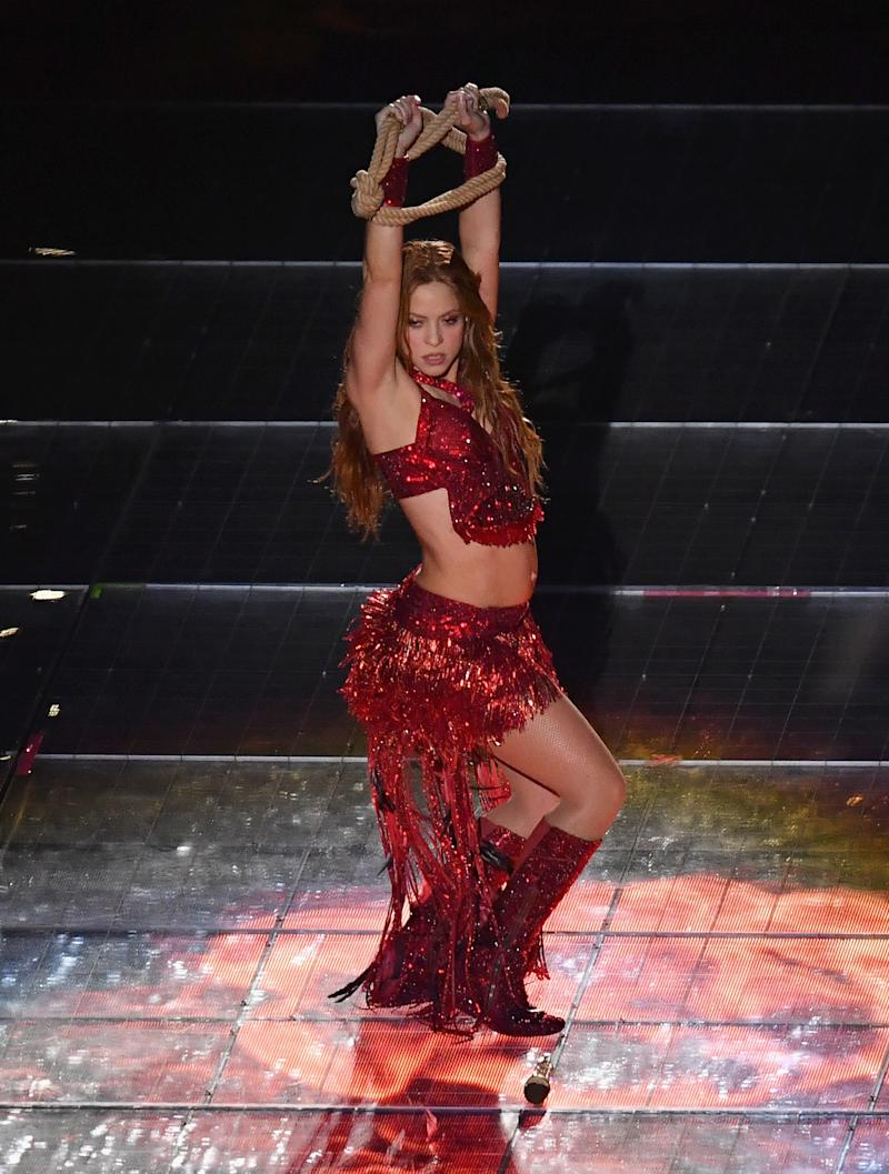 Botas de Shakira chamaram atenção no show do Super Bowl LIV (Foto: Al Diaz/Miami Herald/Tribune News Service via Getty Images)