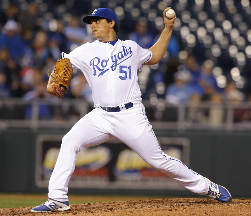 Vargas, Escobar lead Royals to 4-2 win over Rays