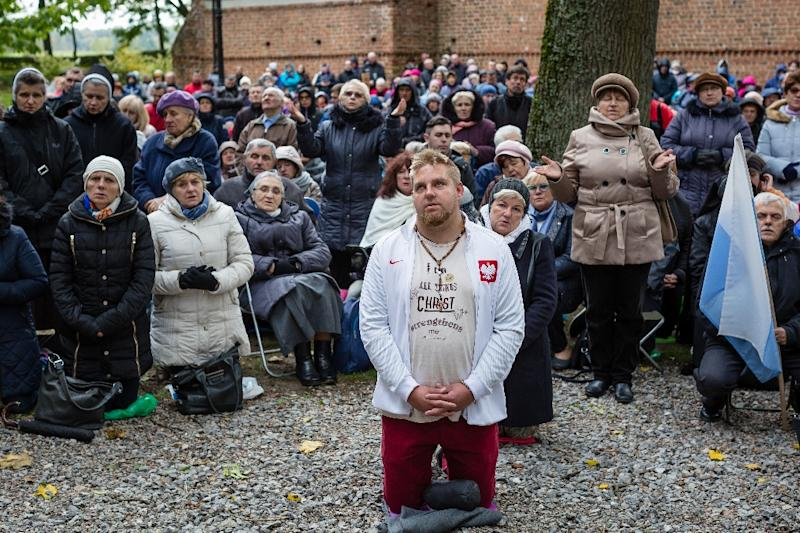 Twenty-two border dioceses have taken part in the event, with their faithful congregating in some 200 churches (AFP Photo/Wojtek Radwanski)