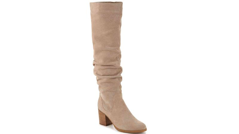 These heeled boots in a neutral color look superb with a wide variety of outfits.