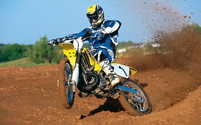 extraordinary-suzuki-motocross-bike-race-wallpaper-2013