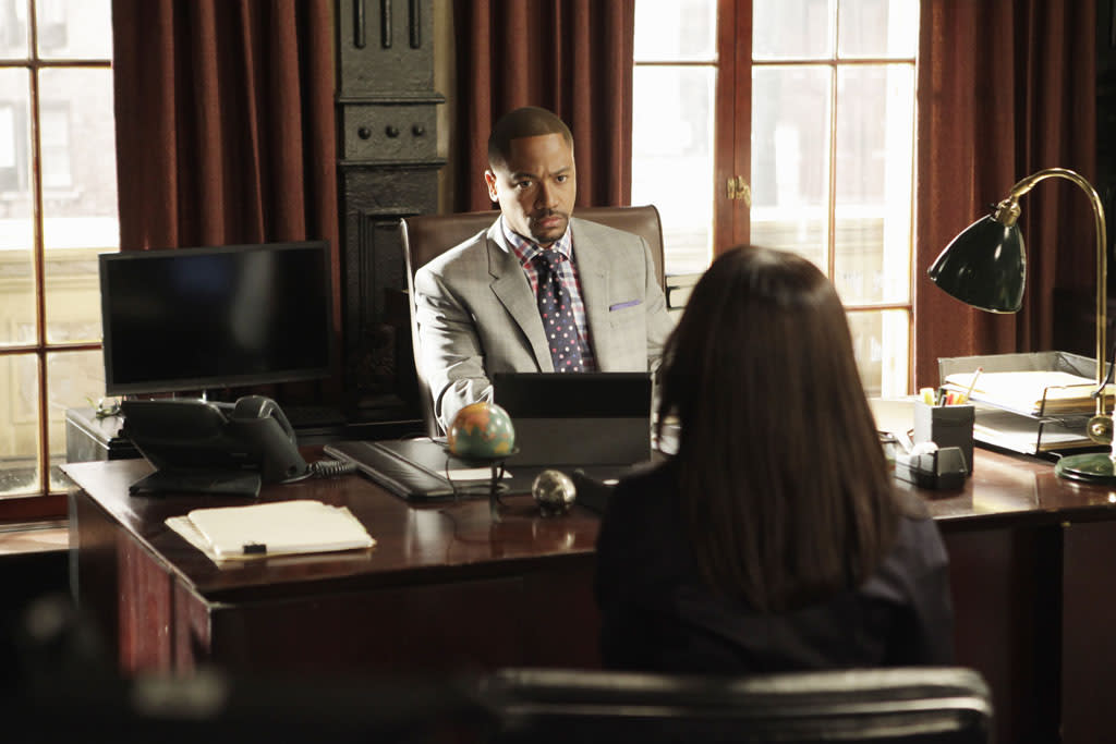"""Any Questions?"" - The White House is in the middle of its biggest scandal to date and Cyrus is in the eye of the storm. Meanwhile, someone close to Olivia betrays her and the team, on ""Scandal."""