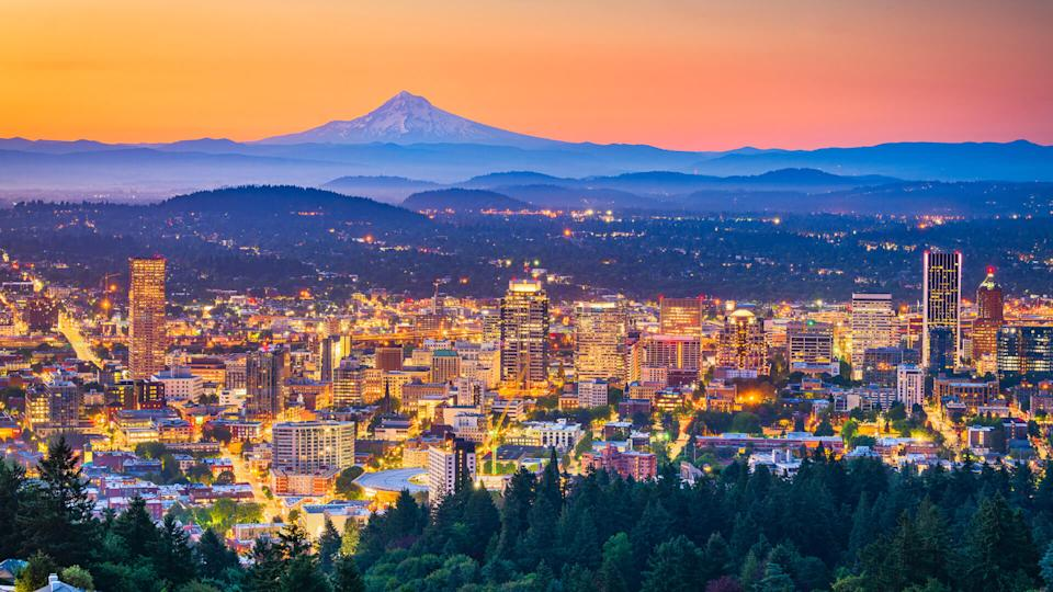 Portland, Oregon, USA skyline at dusk with Mt.