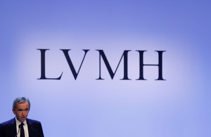 LVMH's Arnault to buy stake in Lagardere holding company